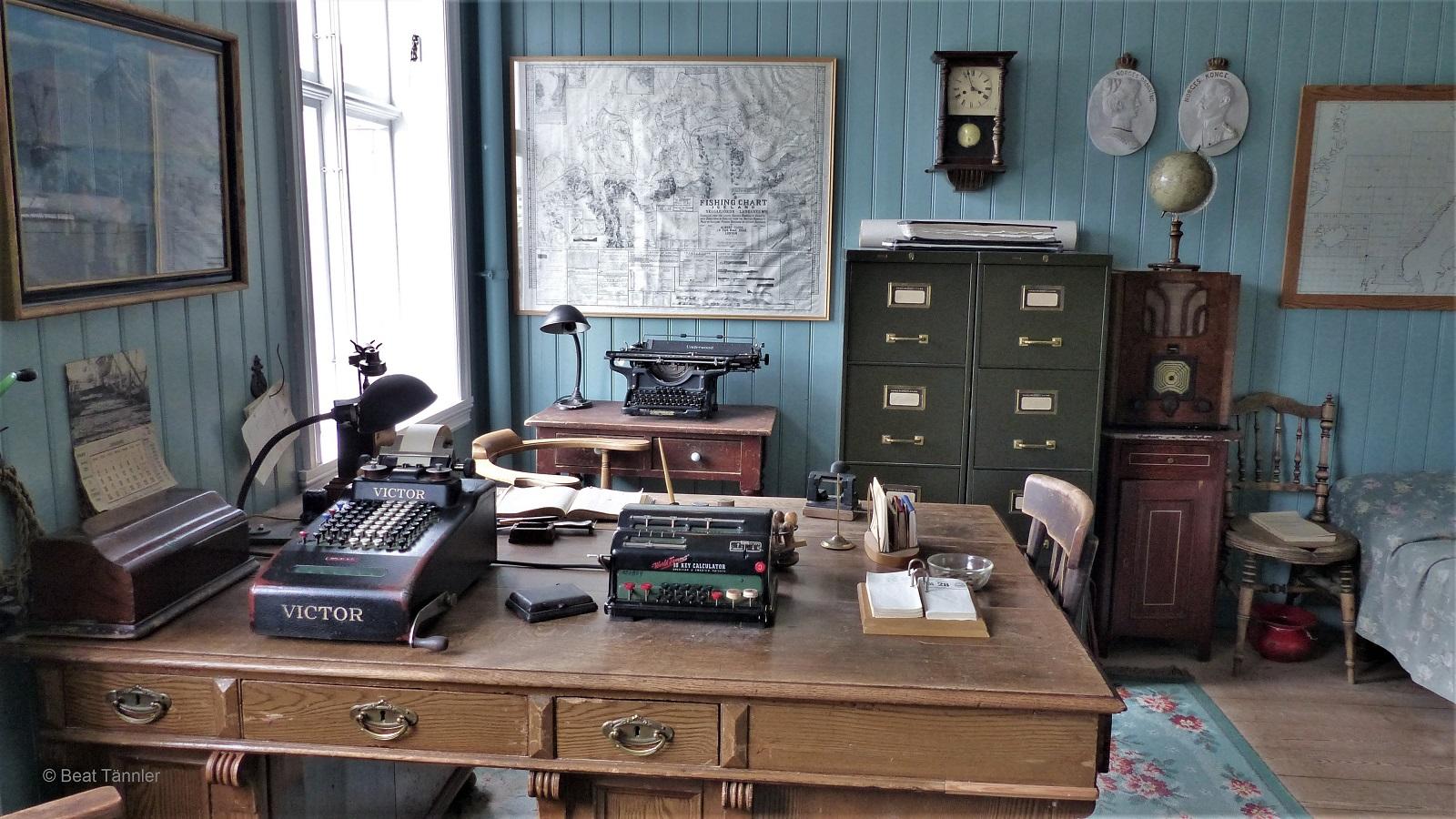 Büro Und Schlafzimmer Des Fabrikbesitzers